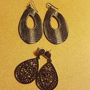 2 pair fashion earrings